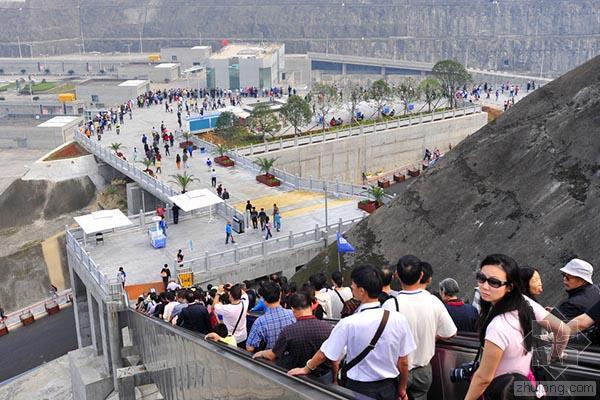 """三峡大坝景点开启""""免费时代"""":9月25日起中国游客免收门票"""