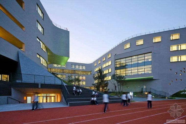 OPEN建筑事务所打造花园式北京房山中学