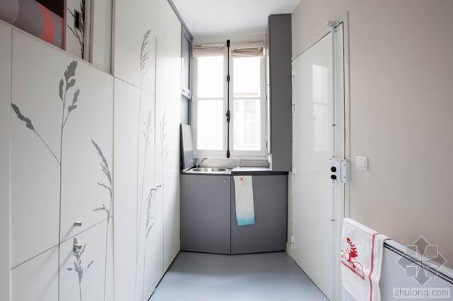 巴黎老城区8平米的全能住宅 / Kitoko Studio建筑师
