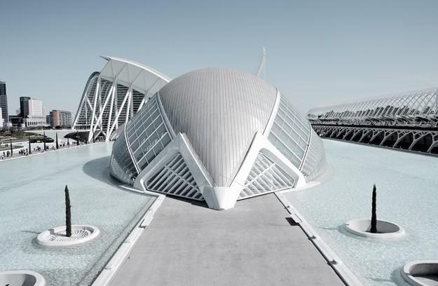 Santiago Calatrava设计的巴伦西亚科学城