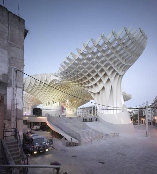 目前世界规模最大的木结构建筑