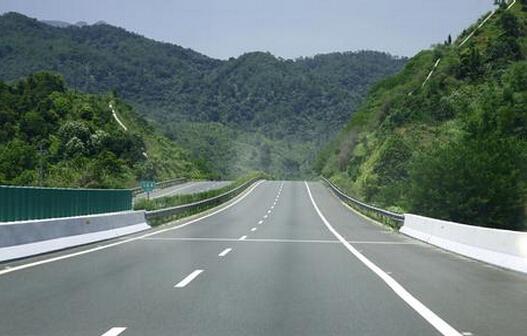 城市道路设计中主要面临的问题及优化设计建议