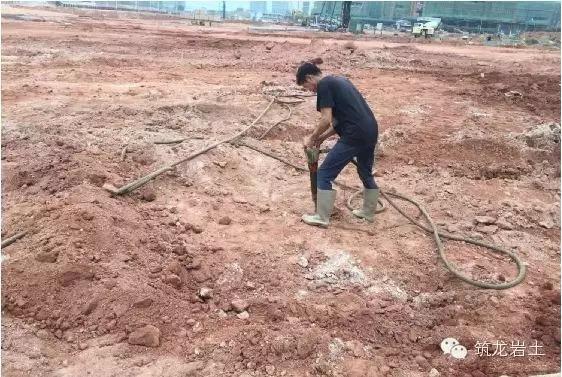 人工挖孔灌注桩现场施工实拍