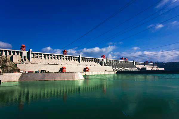 中国三峡大坝两道天网惊呆全世界