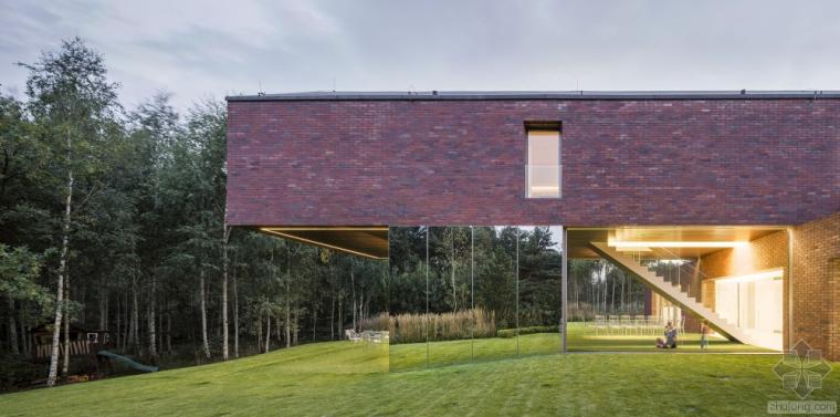 起居花园建筑设计,室内外的流动与融合