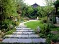 别墅庭院景观工程之行道树种植注意事项