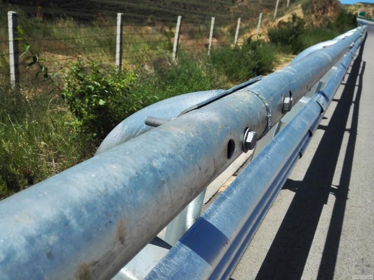 路基安全防撞护栏安装中的问题