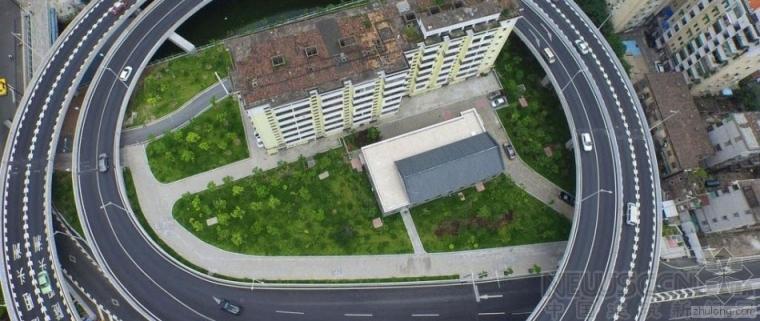 """广州8层小楼被""""立交圈""""包围"""
