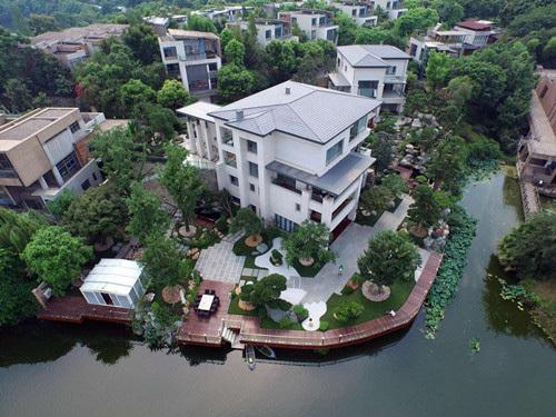 土豪又有新玩法了!重庆土豪8000万打造3000平米私人园林!