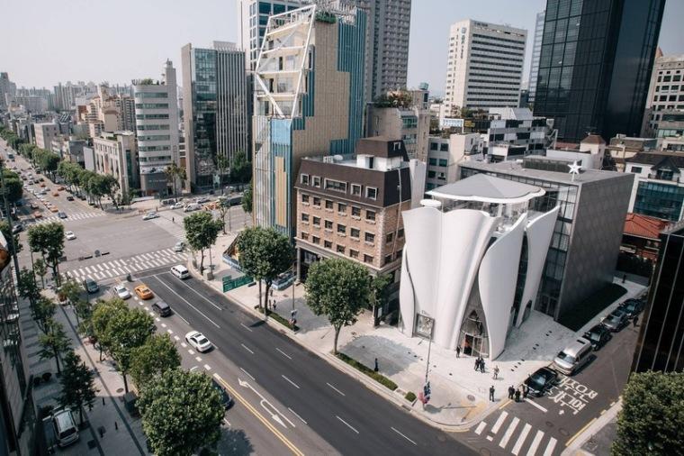 玉兰花瓣 DIOR首尔亚洲最大旗舰店