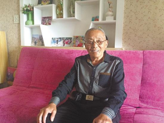 台州80岁考霸考3个大专毕业证 获监理工程师职称