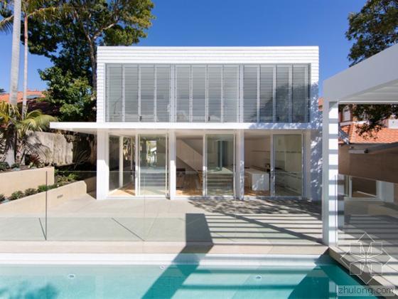 现代别墅白框架扩建