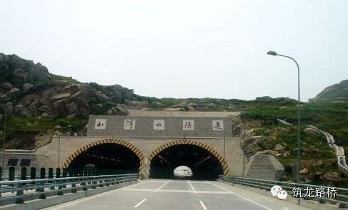 [技术收藏]复合式中墙连拱隧道施工详解