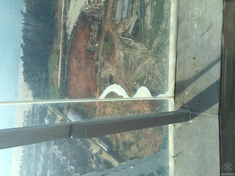 钢化夹层玻璃出现边缘脱胶和推拉门中空发霉是什么原因造成的?