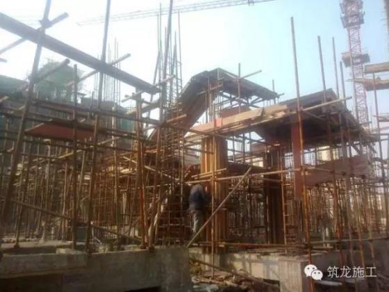 想知道一栋房子是怎样从基础到封顶做起来的吗?很实用。_18