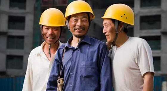 新建筑工人:待不下的城市,回不去的农村