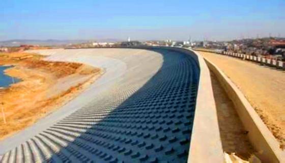 碾压式土石坝质量控制技术要点分析