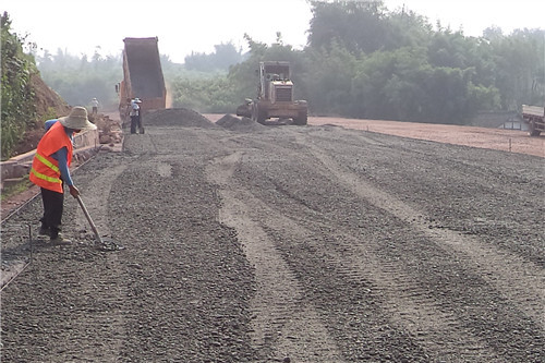 关于我国公路施工中路基加固技术的探讨