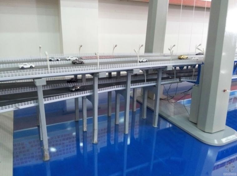 杨泗港长江大桥引桥实物模型