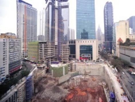 """西南第一高楼""""重庆塔""""烂尾13年 总投资约28亿元"""