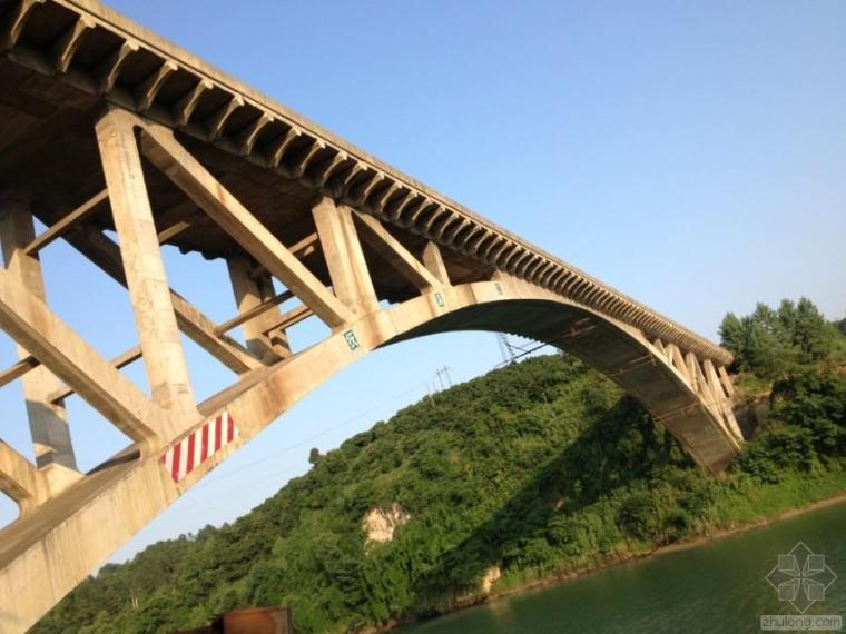 路桥工程体外加固技术的探讨