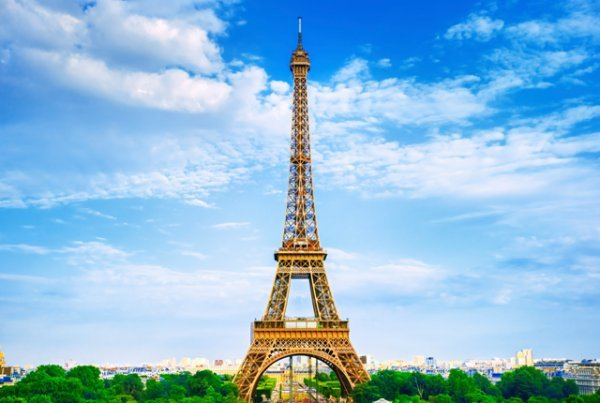 什么?埃菲尔铁塔顶端还有个公寓?