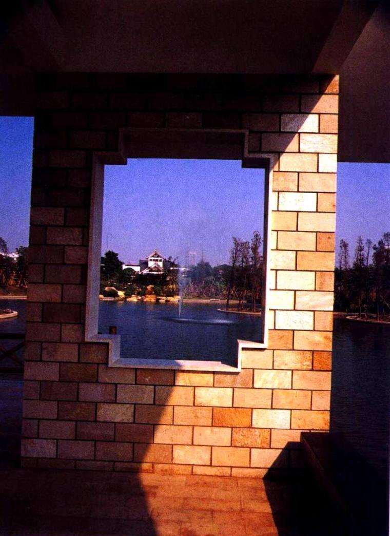 漏窗造型的框景
