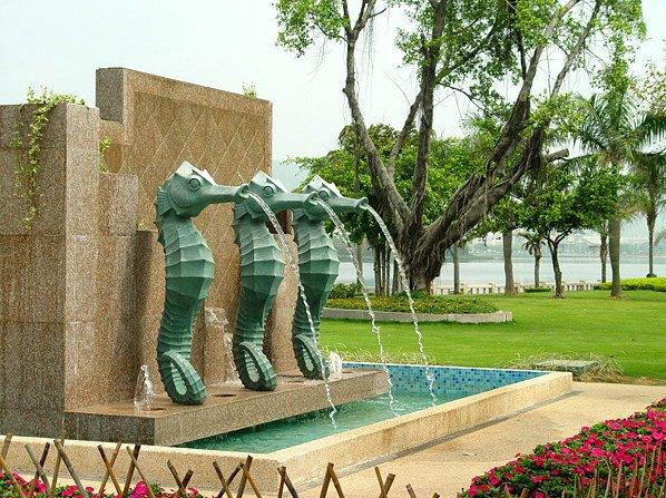 厦门街头水景-海马喷泉第1张图片