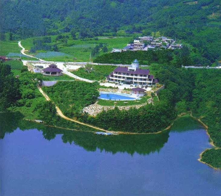 忠州湖月岳青年旅馆