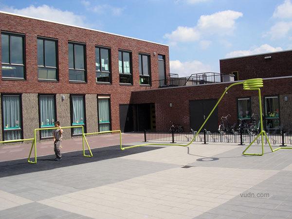 KapteinRoodnat小学娱乐设施第2张图片