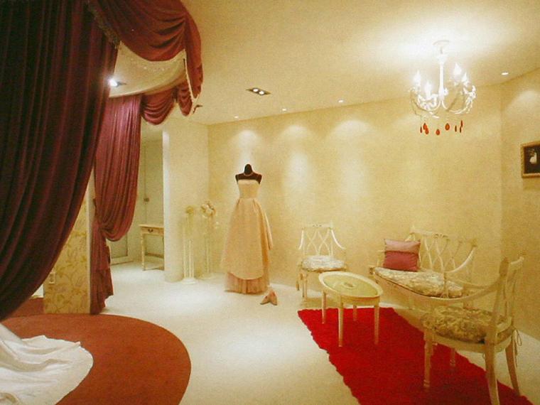贝利达婚礼服装店