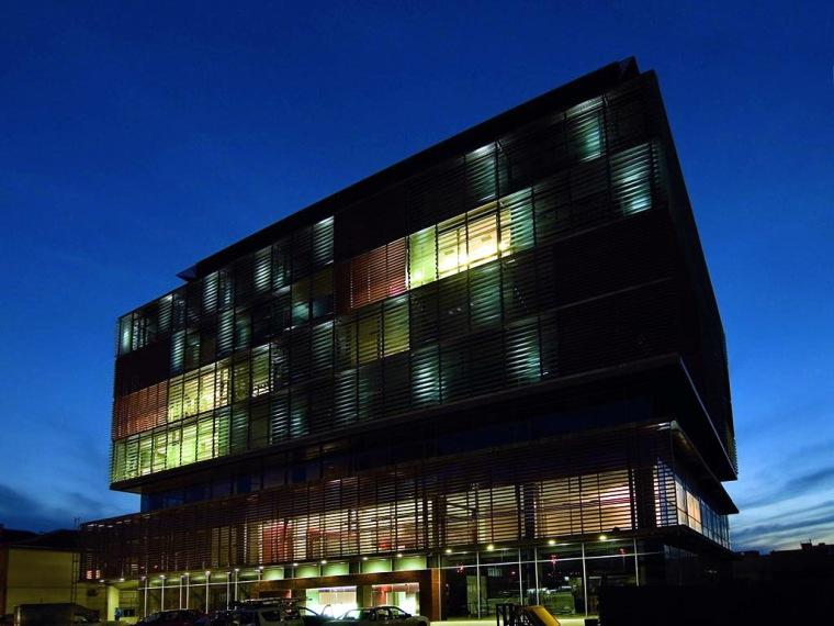 城市商业中心办公楼