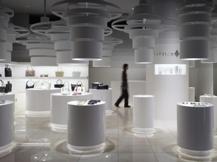 东京帕特里克•考克斯时尚品牌店