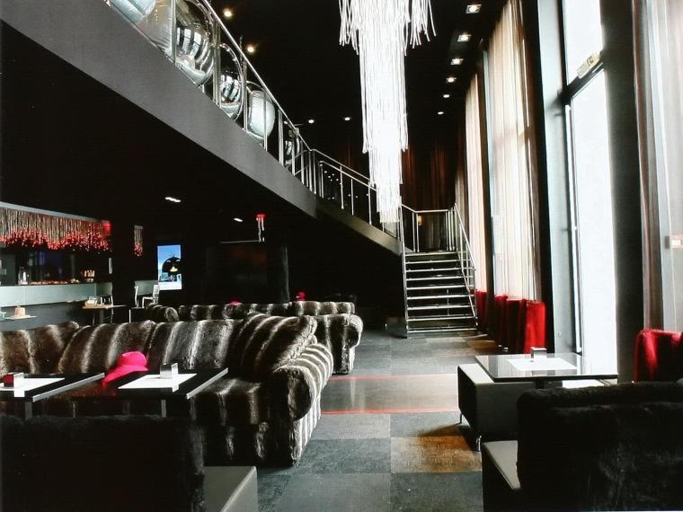 u字形平面资料下载-酥波酒店中的酒吧
