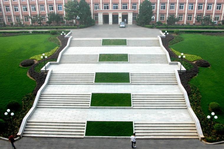大连水产学院主教学楼第5张图片