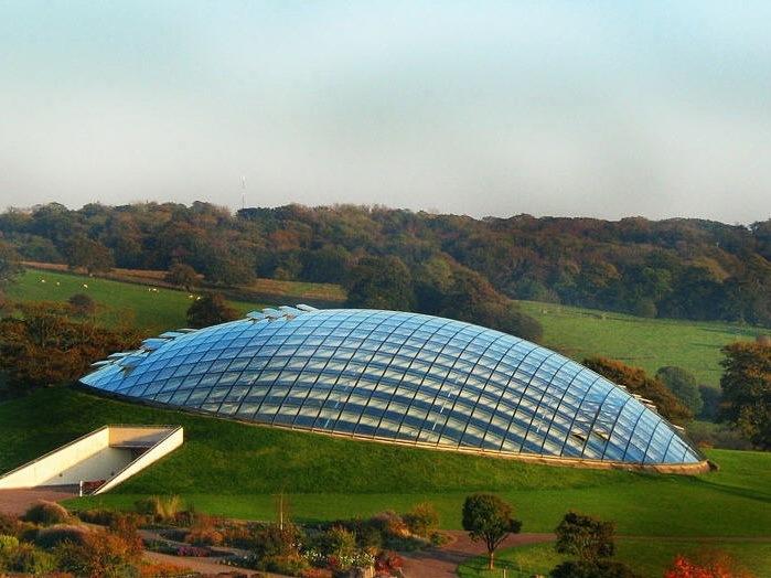 覆土玻璃顶温室