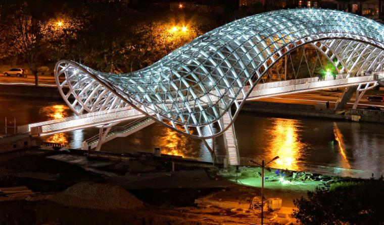 水上精灵--和平大桥夜景_1