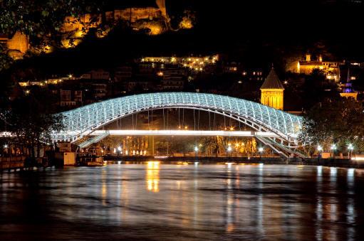 水上精灵--和平大桥夜景_6