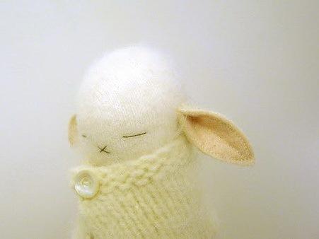 捧在手中暖暖的—手工编织兔子第1张图片