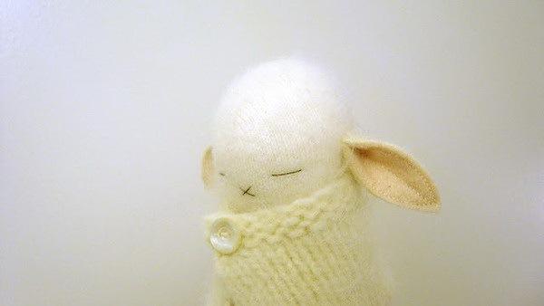 捧在手中暖暖的—手工编织兔子第5张图片
