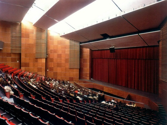 银色雨滴音乐厅第1张图片