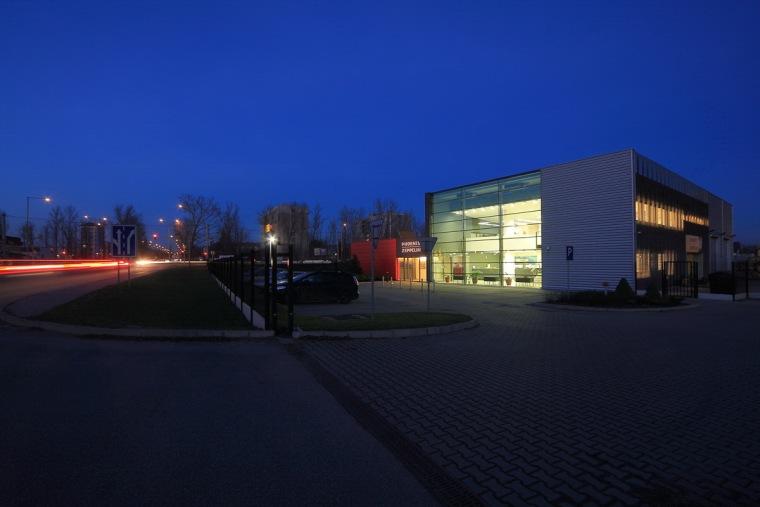 管理和服务大楼第8张图片