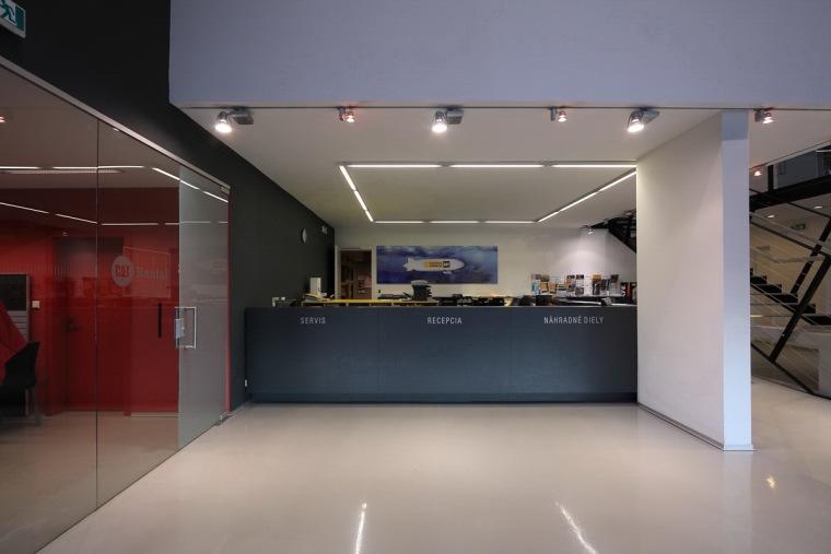 管理和服务大楼第13张图片