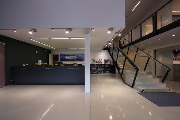 管理和服务大楼第15张图片