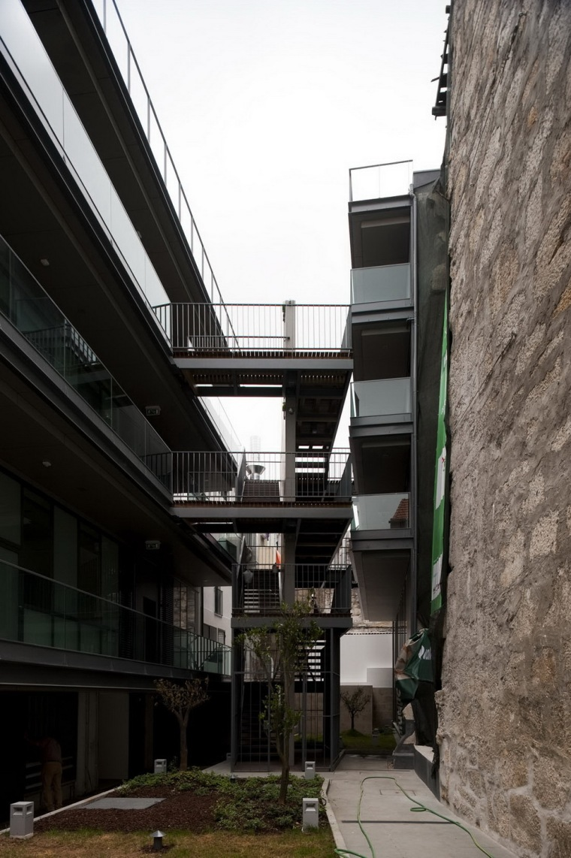 路西塔尼亚阁楼第4张图片