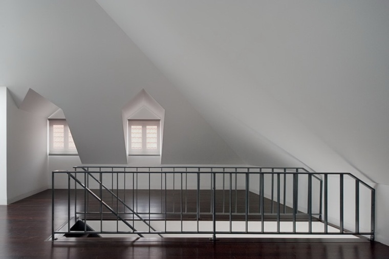 路西塔尼亚阁楼第10张图片