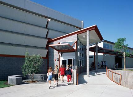洛斯拉图斯学校第1张图片