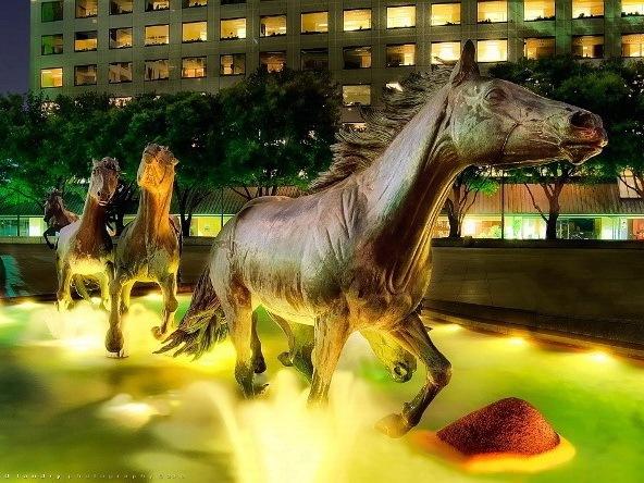 野马雕塑第1张图片