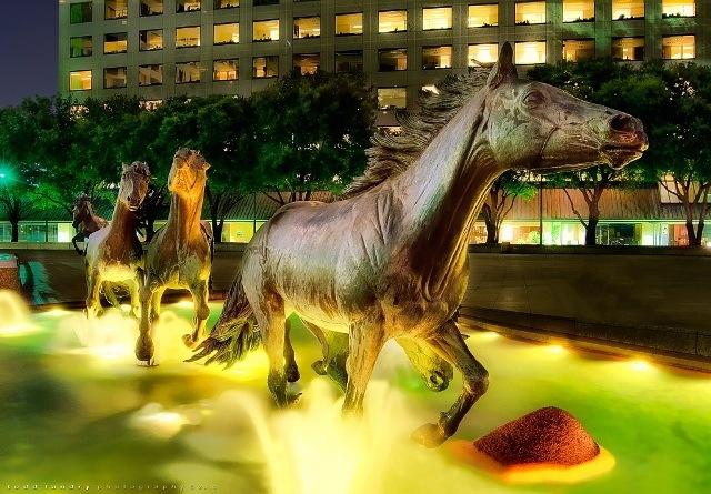 野马雕塑第3张图片