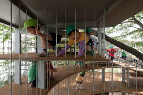橡胶地面防止小朋友在玩耍中受伤-树屋幼儿园第11张图片